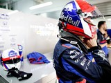 "Kvyat slams ""joke"" rule as FIA denies F1 helmet design for Russian GP"