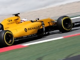 Magnussen: Red Bull pace highlights our deficiencies