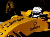 Suspension problems hinder Magnussen's Friday running