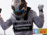 Race: Hamilton Outmuscles Rosberg In Austin