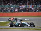 F1 drivers to have option of using DRS through Silverstone corners