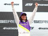 W Series champion Chadwick feels F1 is further away the closer she gets