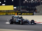 Rosberg cruises to fifth successive victory