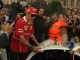 Video: Drivers take part in pre-Italian GP parade through Milan