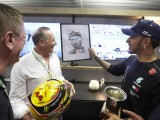 Hamilton honoured by Fangio family after fifth title