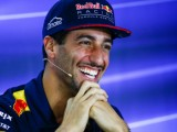 Renault needs Ricciardo's 'laughter and positive attitude'