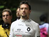 Palmer clinging onto 2017 seat, despite pay out offer from Renault