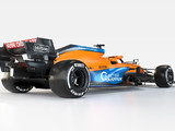 Norris takes to the track in MCL35M for first time
