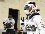 Hamilton wins in Bahrain as Raikkonen beats Rosberg