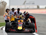 Verstappen does the dirty work in Bahrain
