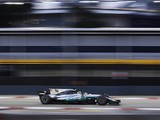Mercedes defends its 2017 F1 design concept amid Singapore struggle