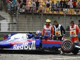 Albon to get new Honda F1 engine for Chinese GP after FP3 crash