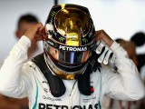 Hamilton receives reprimand for pit entry miss