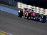 Alonso ignoring Red Bull plight