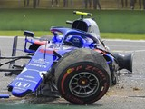 Toro Rosso's Alex Albon to miss Chinese GP qualifying after crash