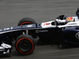 Williams cars fail to impress on drying track