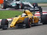 Renault eyes progress after point-less start