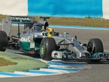 Lauda says Mercedes has an early advantage