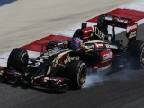 Lotus looks to dump Renault power for Mercedes